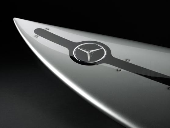 mercedes-benz-surfboard-AMG-designboom021